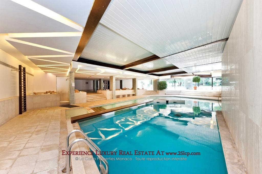 pool-monte-carlo-star-monaco-luxury-residence